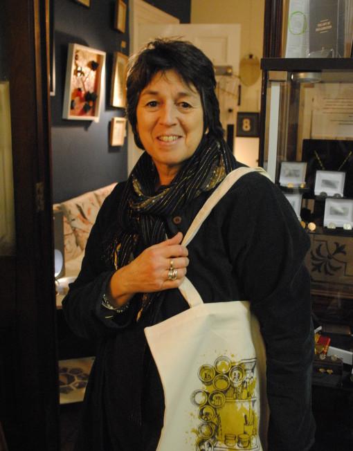 Esme Edwards and her design for the ReFound Shelves Bag